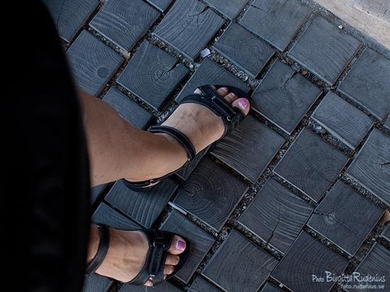 br_20110906_feet
