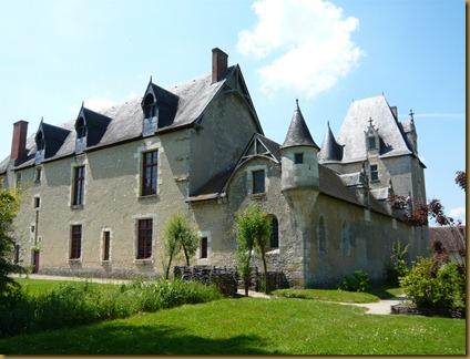 chateau fourgeres-sur-bievres9c