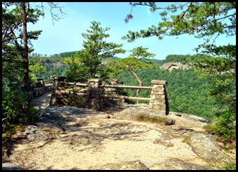 02e - Chimney Top Trail - approaching the viewpoint