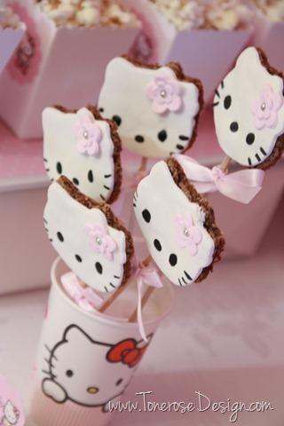 IMG_9350_rosa_kakebord_hello_kitty_dessertbord_bursdag