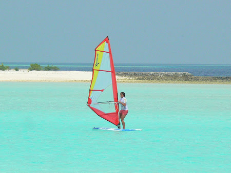 Hotel Anantara Dhigu Maldives - best water sport is surfing