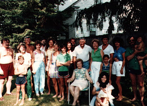 The Mandrachia clan, probably around 1983. Al is standing near the middle, with the white shirt, and that's me (Michael) next to him in the green shirt.
