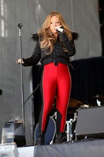 mariah-carey-suffers-wardrobe-malfunction-during-performance-in-austria