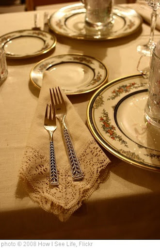 'Place setting' photo (c) 2008, How I See Life - license: http://creativecommons.org/licenses/by-nd/2.0/