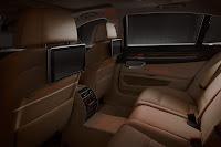 2013-BMW-7-Series-40.jpg