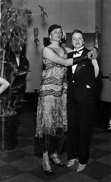 couple-ca1930