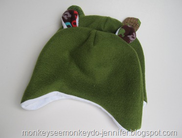 fleece and fuzzy hats with bear ears (5)
