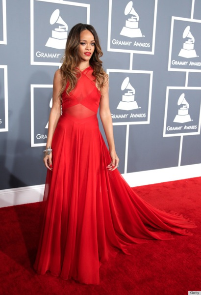 O RIHANNA GRAMMYS DRESS 2013 570