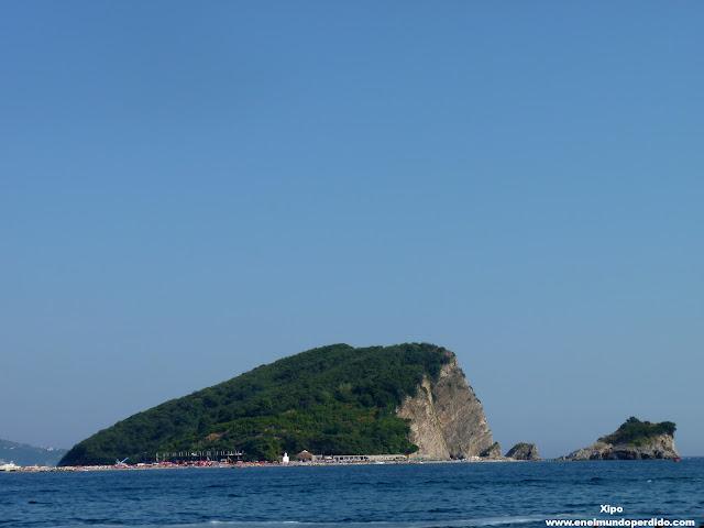 peñón-playa-de-budva-montenegro.JPG