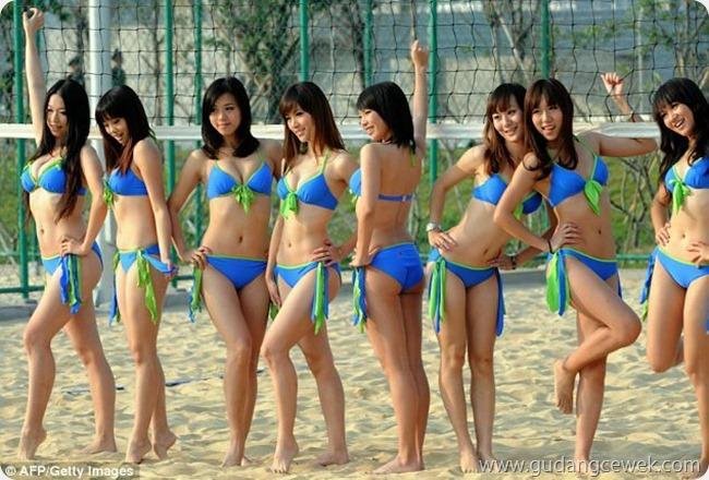 Chinese Cheerleaders Sexy Bikini || gudangcewek.com
