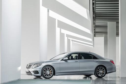 2014-Mercedes-Benz-S63-AMG-24.jpg