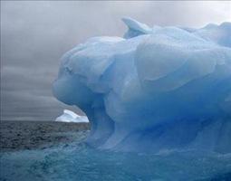 hielo del Océano Ártico se derrite a causa de la actividad humana