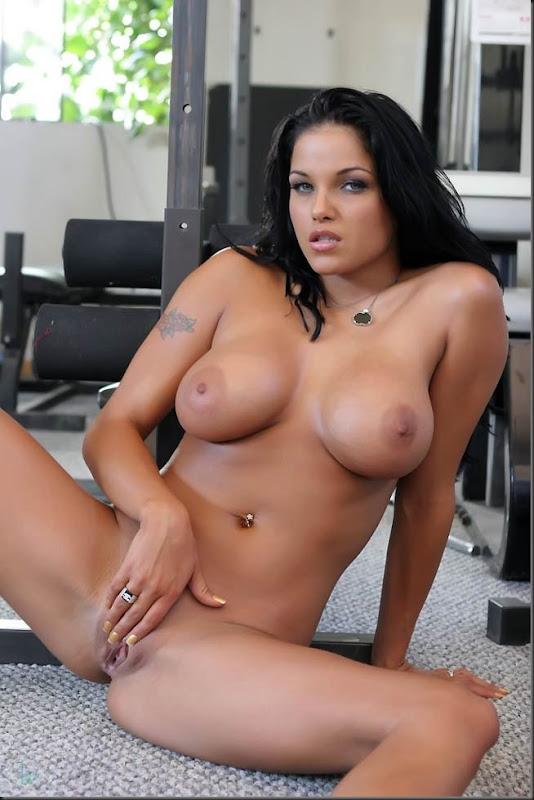 musculo-01--mulher-pelada-nua-buceta-pussy-02019