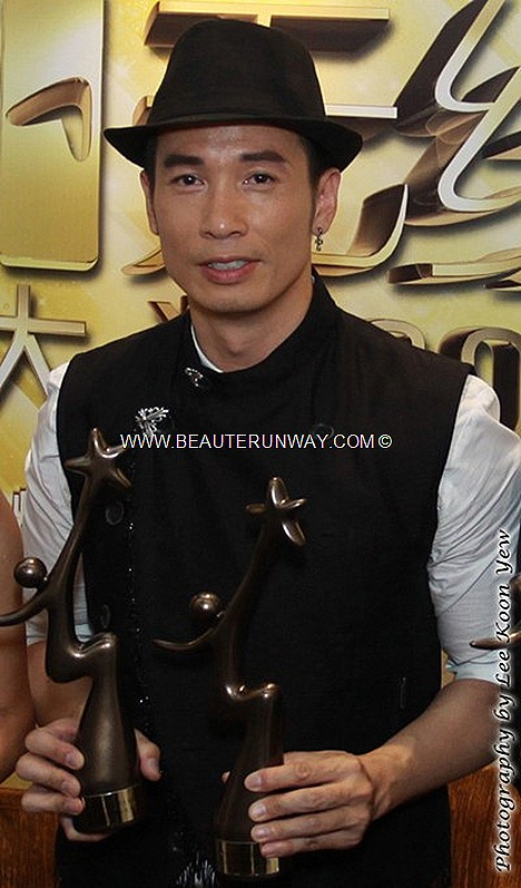 Starhub TVB Awards 2012 Winners Moses Chen Ho When Heaven Burns My Favourite TVB Drama Male TV Character best on screen couple yes sir no sir Singer Youthful ignorance, Theme Song TVB Drama Bowie Lam Kenny Wong Singapore MBS Hotel
