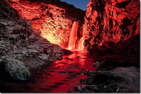 cascade lumini fosforescente