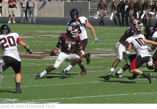 'Quarterback Jerrod Johnson carries the football  for the Aggies' photo (c) 2008, bk1bennett - license: http://creativecommons.org/licenses/by-nd/2.0/