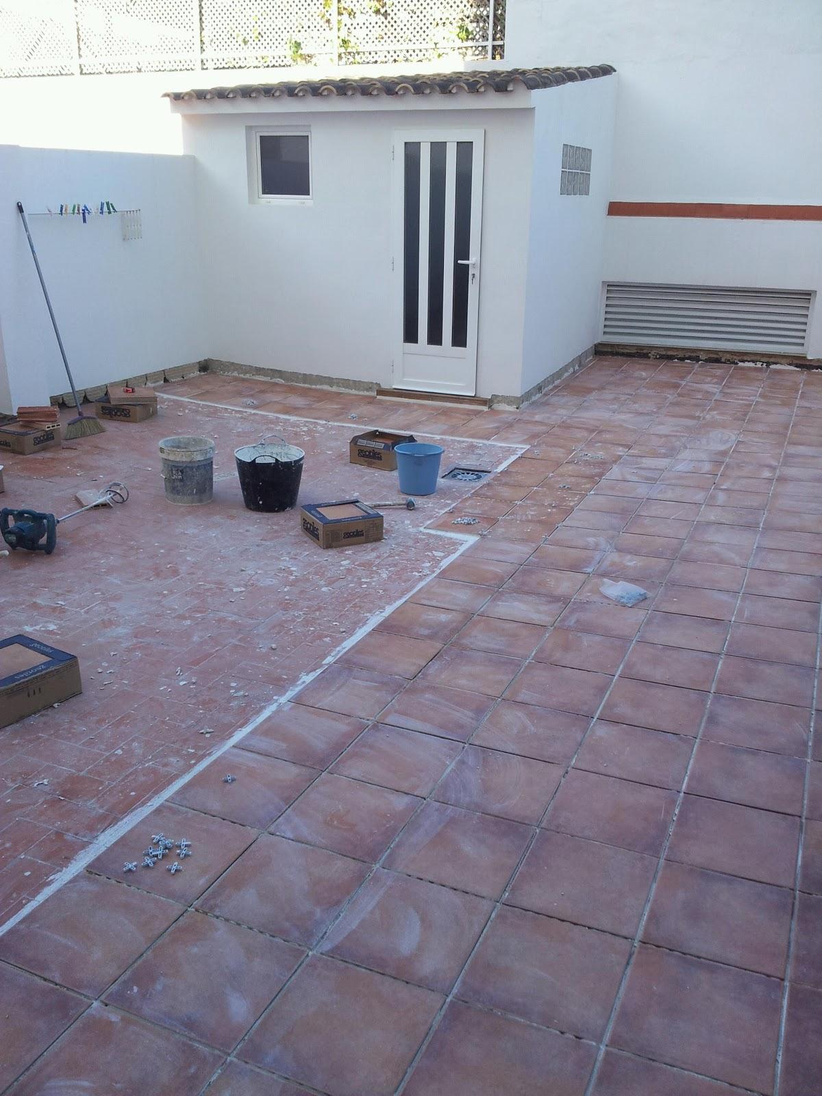 Poner piso rustico en la terraza toni alba il experto - Sacar escuadra para colocar piso ...