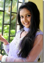 mahima_hot_smile