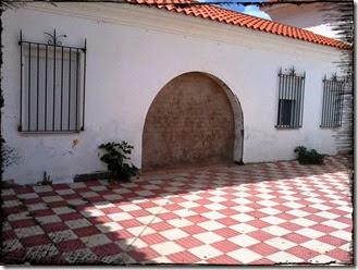 puerta cuartel