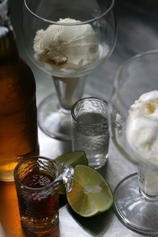 boozy cream soda float 089