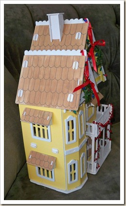 Yellow-Doll-House-Xmas-3