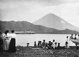 Tidore from Ternate (unknown photographer, 1910) Courtesy TropenMuseum Archives