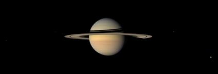 Saturno e alguns de seus satélites