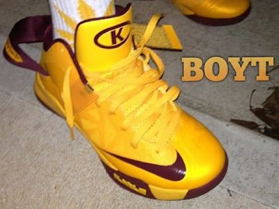 nike zoom soldier 6 pe christ the king away 1 01 First Look at Nike Zoom Soldier VI Christ the King Away PE