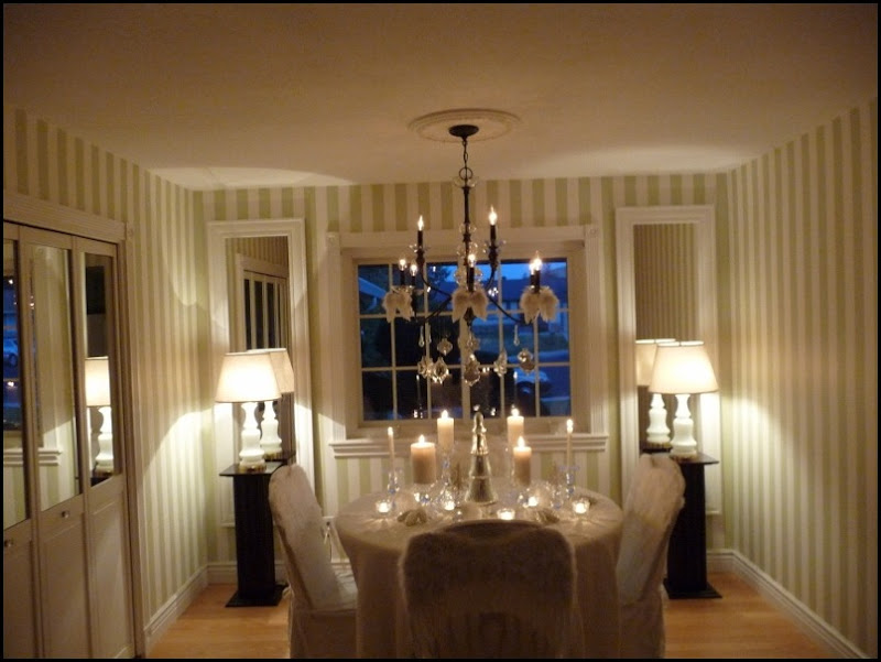 Christmas dining room 2011 angel wings 029 (800x600)