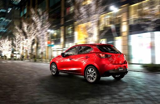 2015-Mazda2-Demio-02.jpg