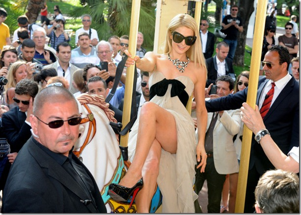 Paris Hilton seens posing famous photographer C5reaDhvdA0l