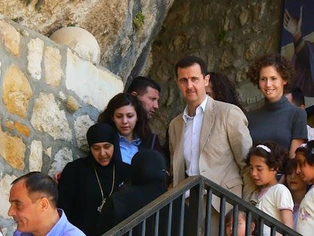 18. Bashar el-Assad cu sotia la biserica.JPG