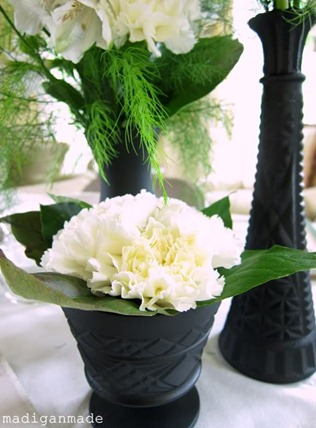 Madiganmade black-white-bridal-shower-ideas-black-vases