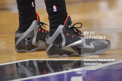 nike lebron 11 pe carbon miami nights 2 05 PE Spotlight: Nike LeBron XI Miami Nights Carbon PE