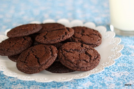 Baking Makes Things Better: Midnight Cookies