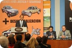 Juan Pablo de Jesús firmó convenio con el gobernador Daniel Scioli destinado a la compra de 20 nuevos patrulleros
