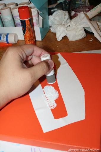 diy stencilled wedding cake