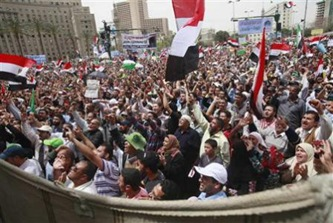 Islamists-rally-in-Cairo-against-Mubarak-old-guard