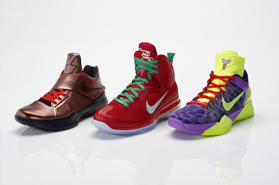 nike lebron 9 gr christmas 8 07 Throwback Thursday: Look Back at LBJs 2011 Christmas Shoes