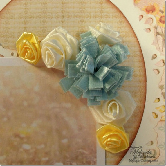 a ribbon flower cluster mini-500