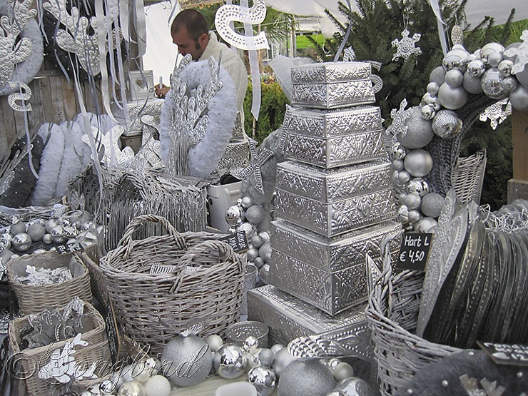 silver christmas decorations