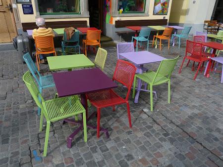 Obiective turistice Zürich: Restaurant foarte colorat
