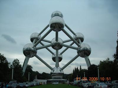 Átomo Bruselas