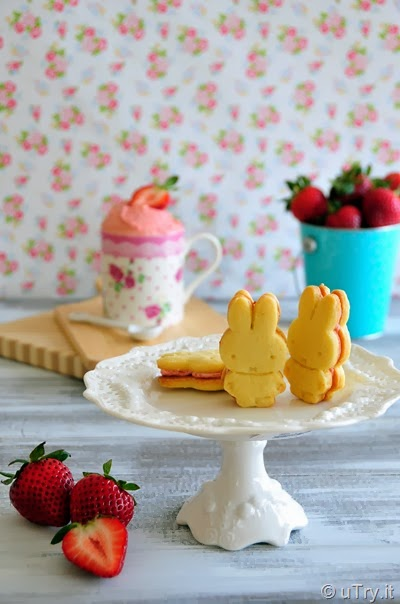 Lemon and Strawberry Cream Sandwich Cookies
