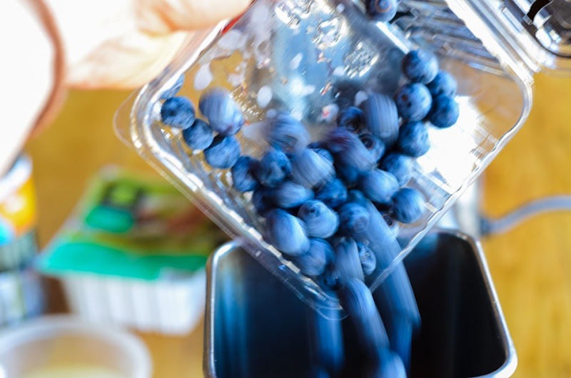 broccoli blueberry smoothie-5880