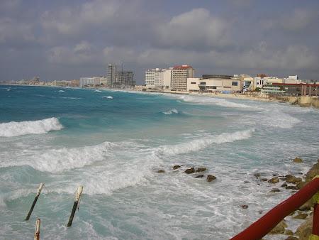 Vacanta Mexic: valuri in Cancun