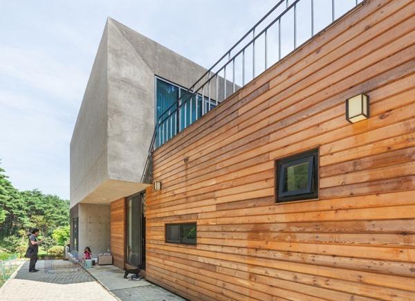 casa-de-madera-y-hormigon