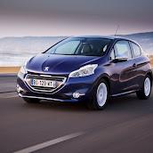 2013-Peugeot-208-HB-3.jpg