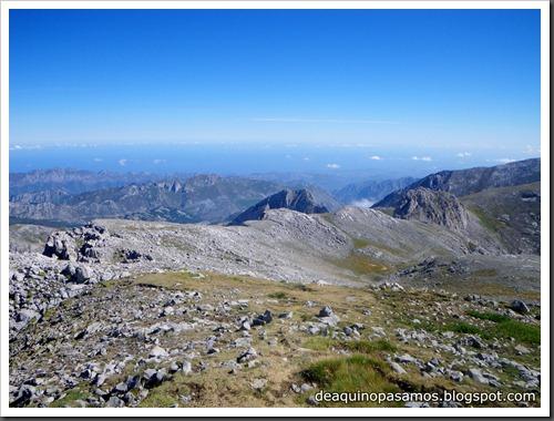 Jito Escarandi - Jierru 2424m - Lechugales 2444m - Grajal de Arriba y de Abajo (Picos de Europa) 0104