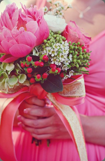 coral-peony-green-hydrangea-bow-bouquet alea moore photo and boukates